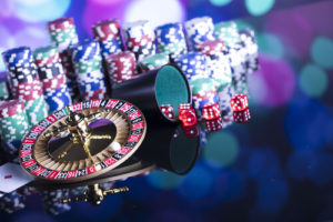 The Benefits and Advantages to Gambling Online